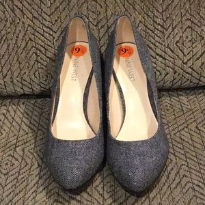 DR1) Women's Brand New Nine West Fabric Style Shoe